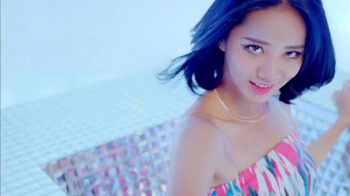 Girls-Day-Ring-My-Bell-Hyeri_4.jpg
